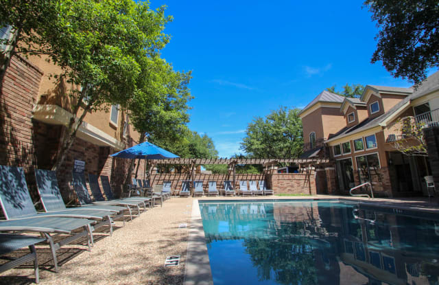 The Brownstones Townhome Apartments Apartment Dallas