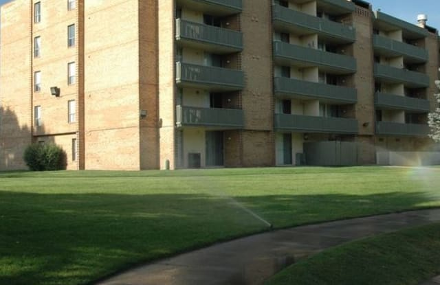 The Crossing Apartment Homes Apartment Denver