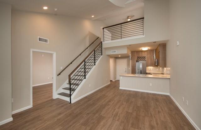 The Essex House Apartment Houston