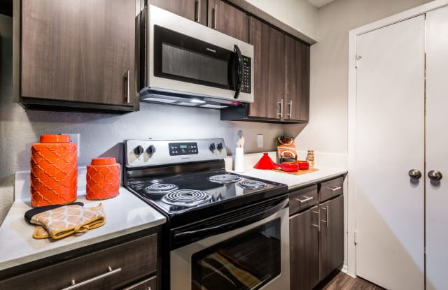 The Flats on San Felipe Apartment Austin