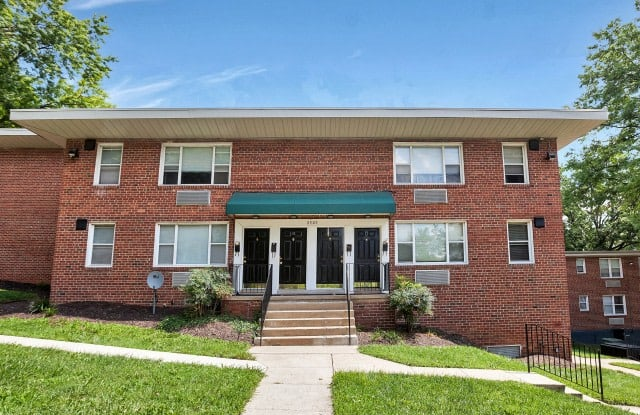 The Greens at Forest Park Apartment Baltimore