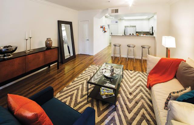 The Heritage Apartment San Diego