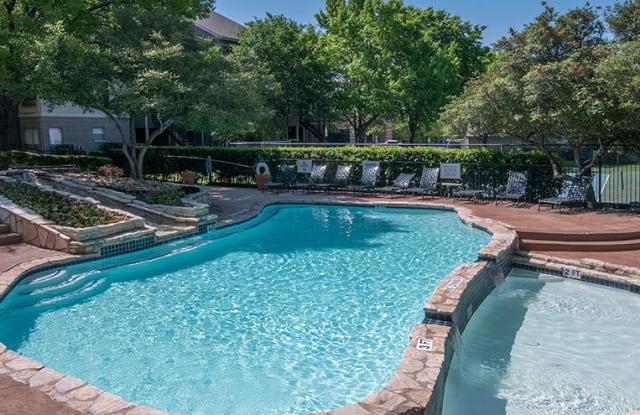 The Lakes at Renaissance Park Apartment Austin