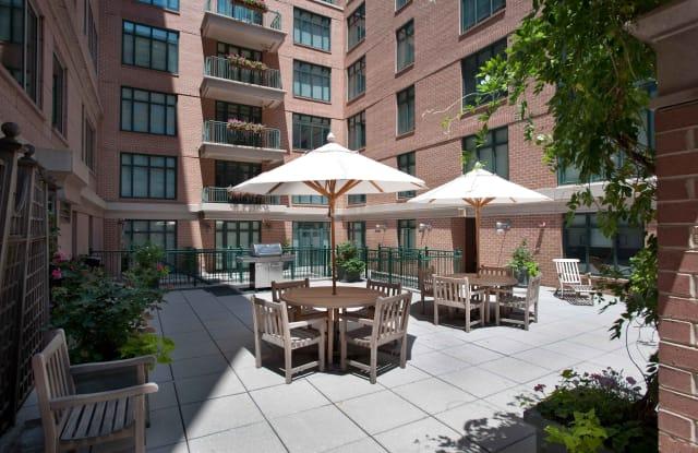 The Lexington at Market Square Apartment Washington