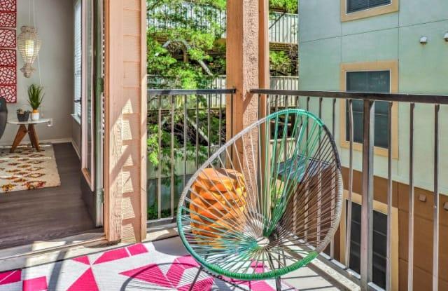 The Lola Apartment Austin