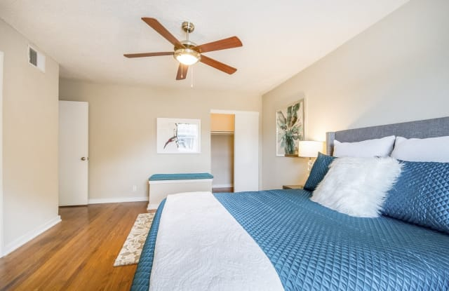 The Monroe Apartment Dallas