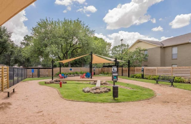The Oaks of Timbergrove Apartment Houston
