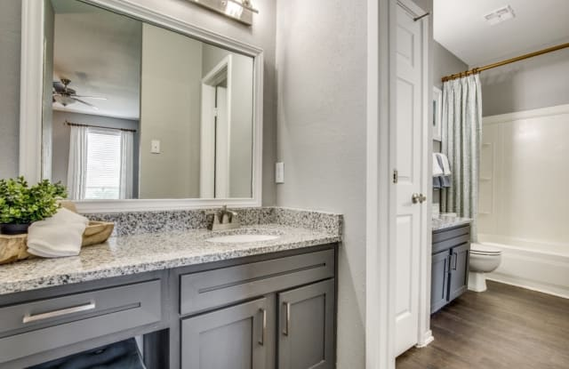 The Quinn at Westchase - North Apartment Houston