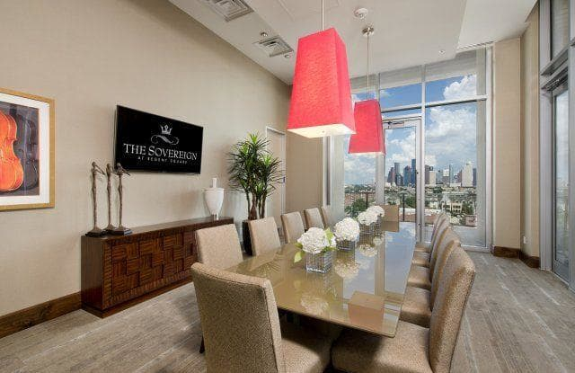 The Sovereign at Regent Square Apartment Houston