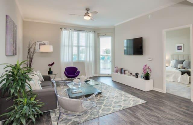 The Strand Apartment Jacksonville