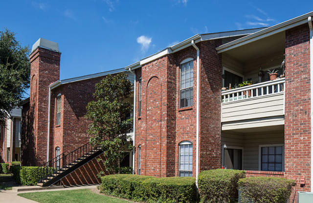The Versailles Apartment Dallas