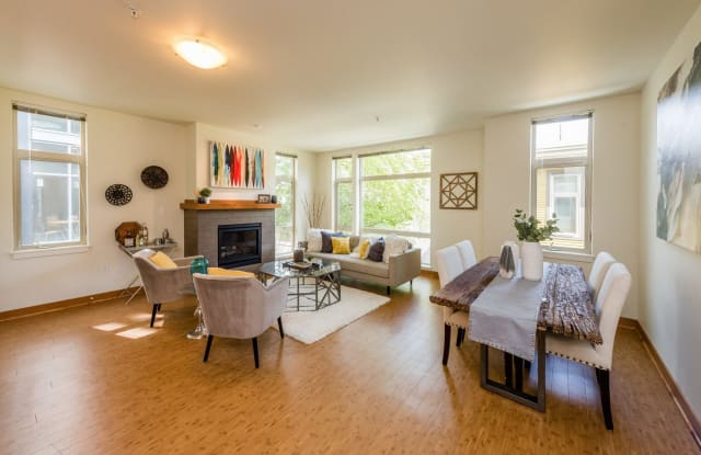 Thornton Place / Creekside Apartment Seattle