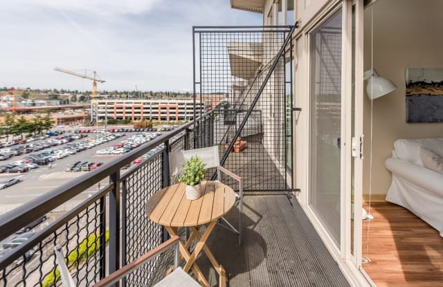 Thornton Place / Plaza Apartment Seattle