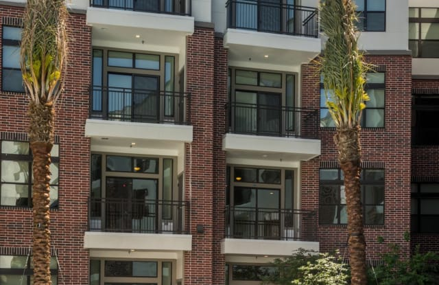 Tinsley on the Park Apartment Houston