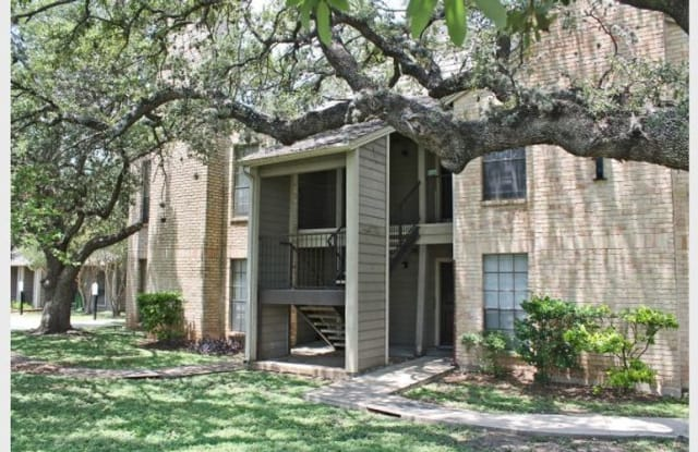 Towering Oaks Apartment San Antonio