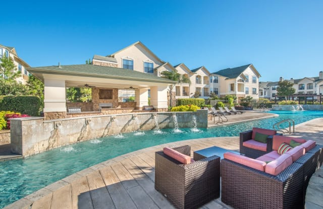 Tradewinds at Willowbrook Apartment Houston