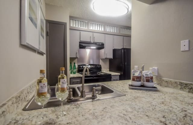Tuscany Park Apartment San Antonio