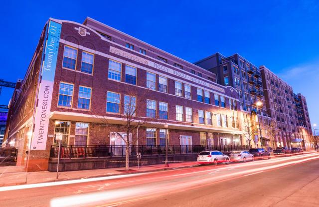 TwentyOne01 on Market Apartments Apartment Denver
