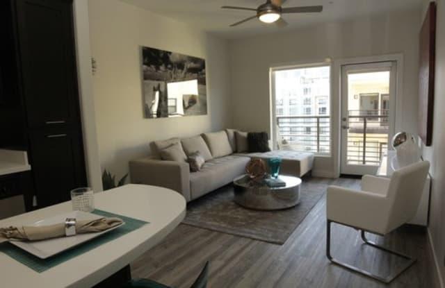 Urbana Apartment San Diego
