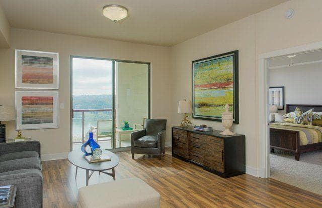 Windsor on the Lake Apartment Austin