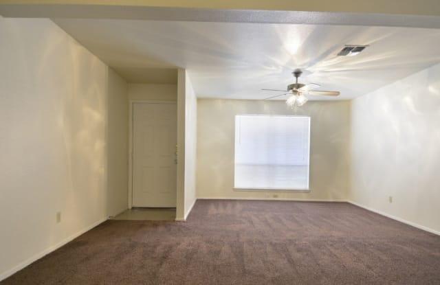 Woodhill Apartment San Antonio