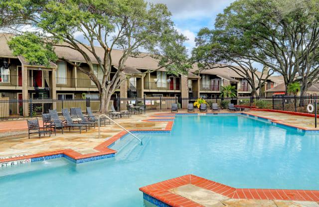 Woodlake Townhomes Apartment Houston