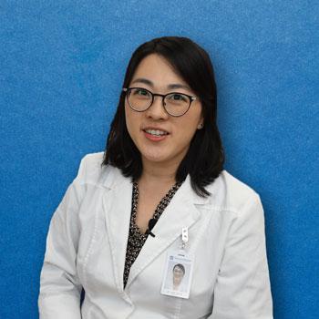 Dr. Julia Jeong