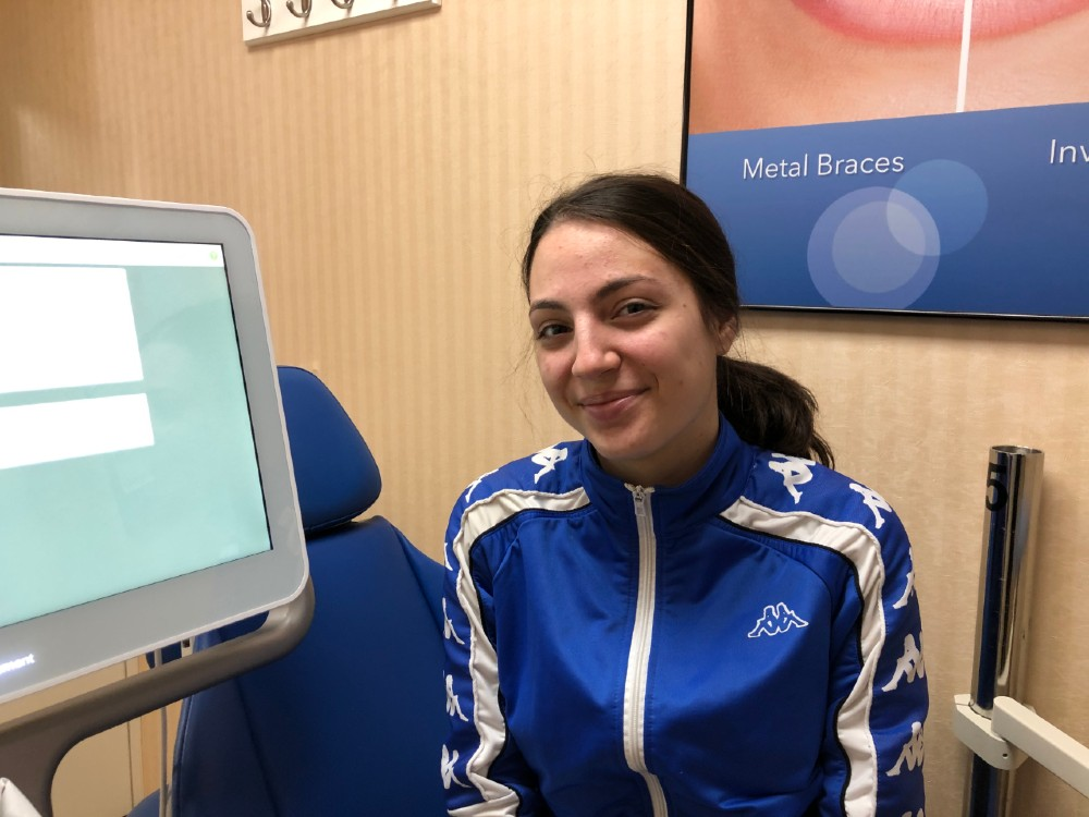 Staten Island Student Jenny is Pleased with Her Same-Day Start With Invisalign Teen