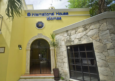 International House Riviera Maya