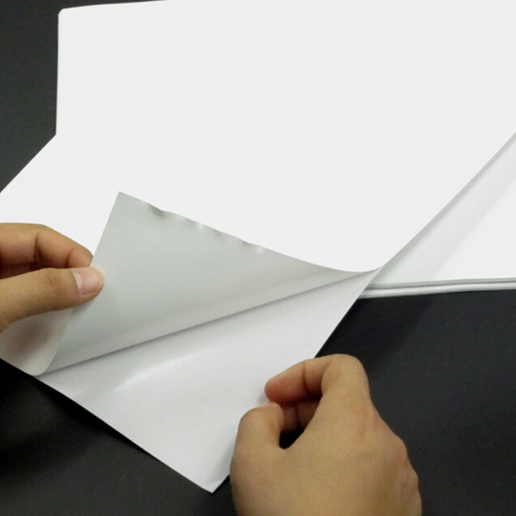 Papel fotográfico adhesivo matte 50 hojas A4