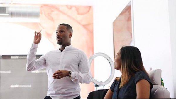 Nicck Townsend teaching a class
