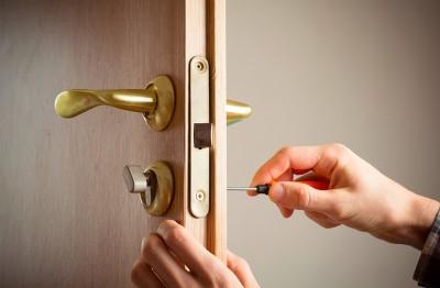 Instaladores de cerrojos de puerta
