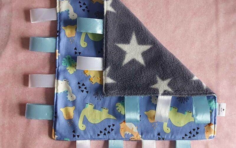 Image to for Dinosaur taggie comforter blanket