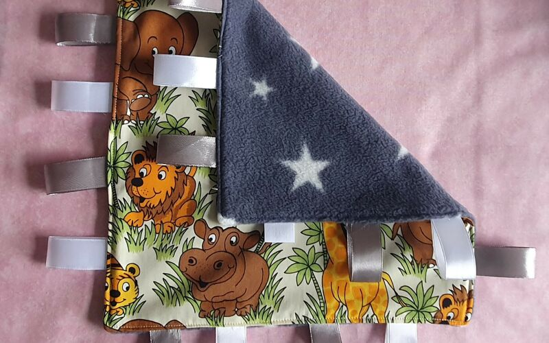 Image to for Jungle taggie comforter blanket