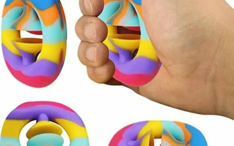 Image to for Snappers – The ultimate pocket-sized fidget toy!