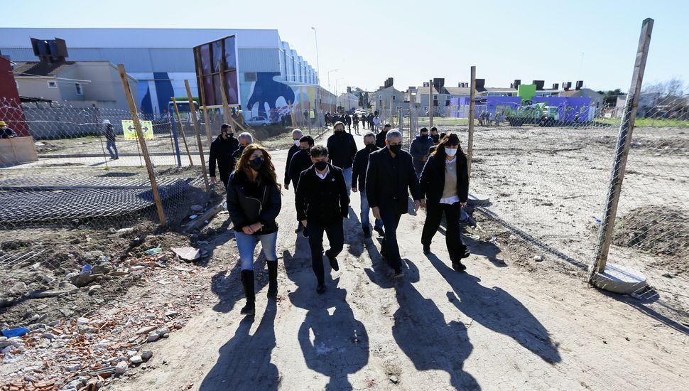 La Provincia firmó convenios para avanzar en la urbanización de barrios populares