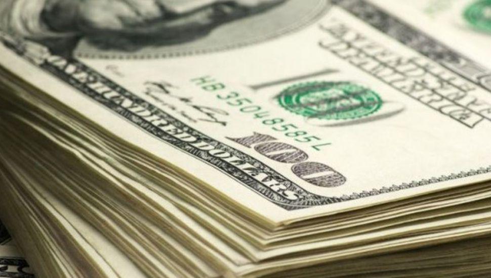 Medidas oficiales desinflaron el dólar, que se desplomó a $29,08
