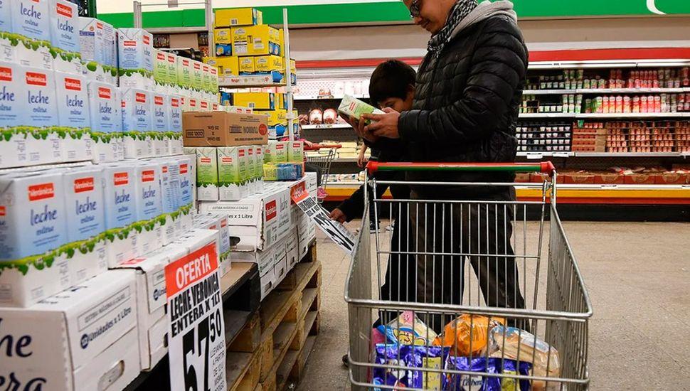 El Gobierno defiende el cambio en la alícuota sobre la leche