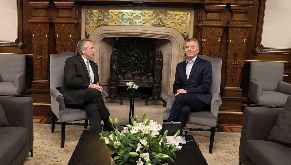 """Macri y Alberto Fernández """"intercambiaron ideas"""" sobre la situación institucional en Bolivia"""