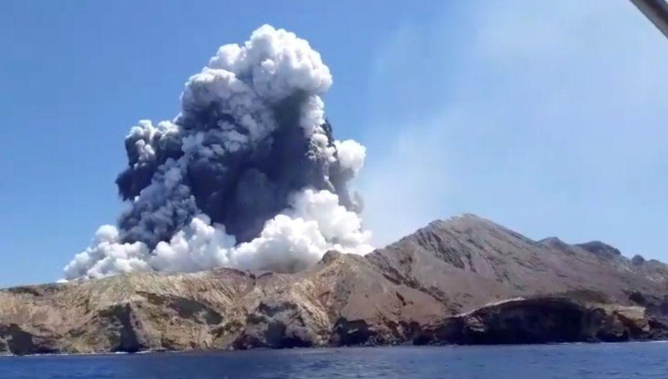 La erupción de un volcán en Nueva Zelanda dejó 5 muertos