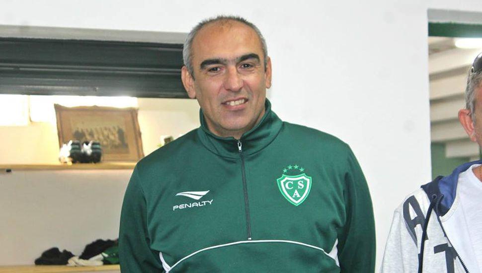 Iván Delfino continúa en Sarmiento