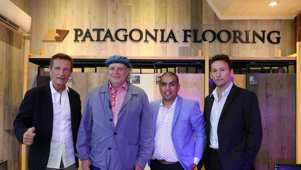 El prestigioso chef Mallman, junto a Saramaga, CEO de Patagonia Flooring, Tapia y Kevin Saramaga.