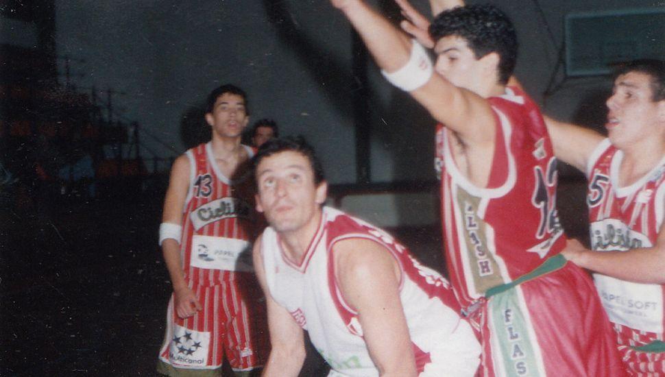 Ignacio Cuchetti busca elevarse ante la marca de Maximiliano Moreno.
