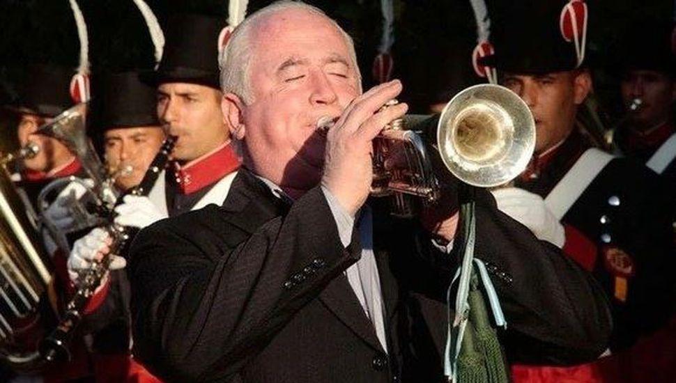 La emotiva historia de la trompeta recuperada de la guerra de Malvinas que volvió a sonar en las Islas 37 años después