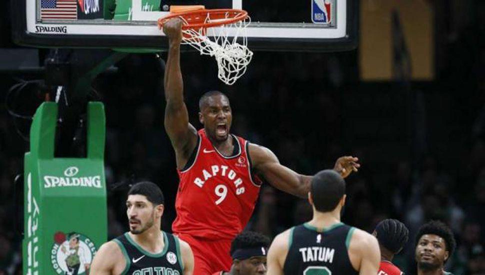 Ibaka no tuvo freno en el poste bajo ante los Celtics.