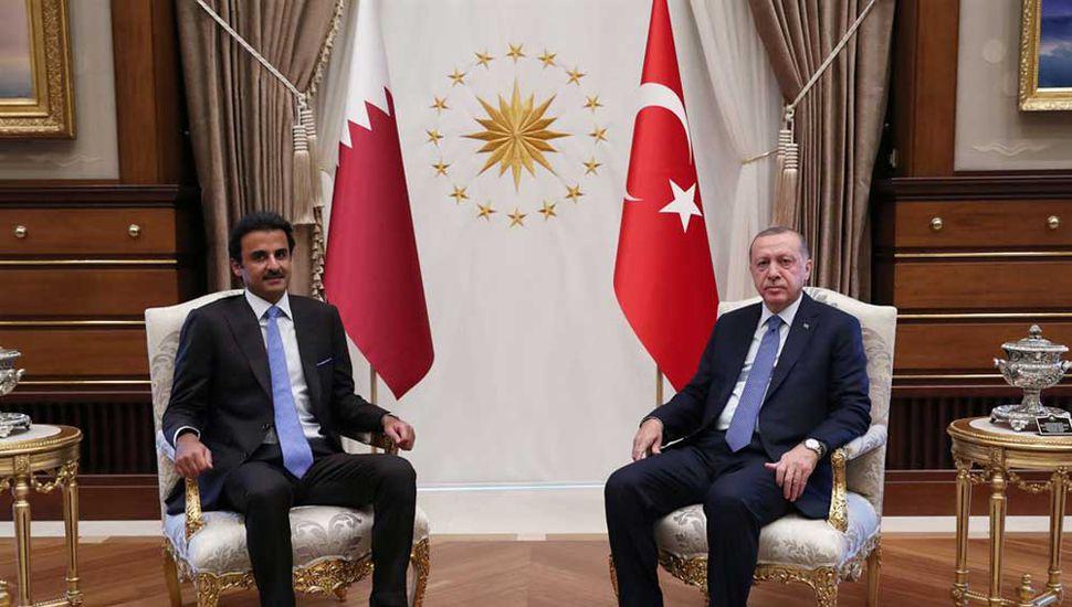 Qatar sale al rescate  de Turquía: invertirá  USD 15.000 millones