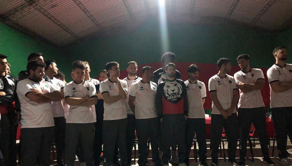 Los jugadores fueron presentados en una cena de gala.