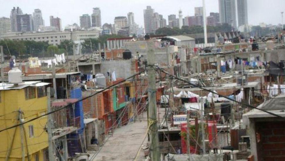 La pobreza aumentó en el primer semestre y afecta al 27,3% de la población
