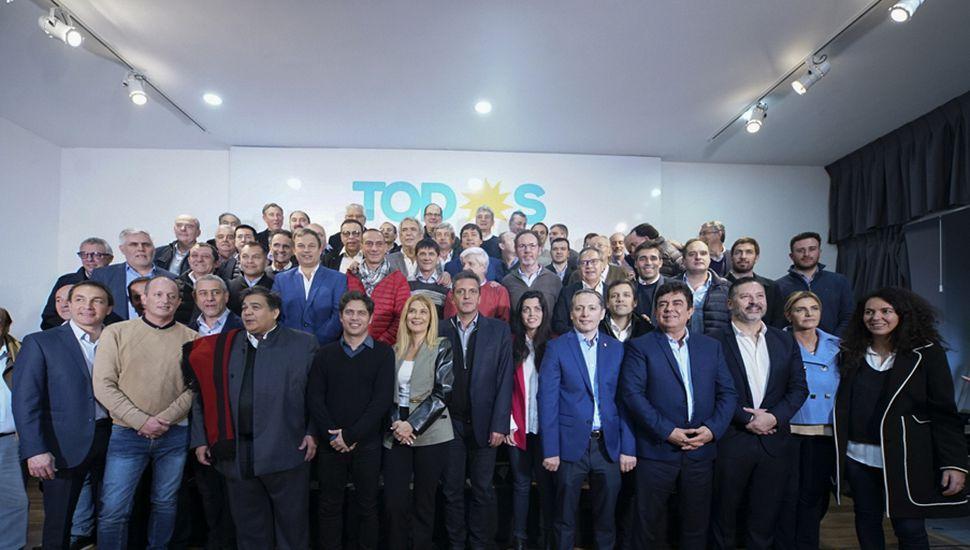Sergio Massa se reunió con Axel Kicillof, Verónica Magario y el conjunto de los intendentes bonaerenses de la oposición.