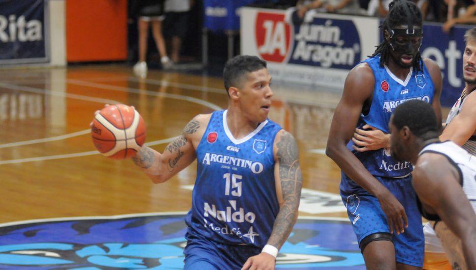 Jonatan Slider, ahora jugando en Uruguay.